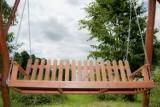 Lubisz odpoczywać w swoim ogrodzie? Te huśtawki na pewno Ci w tym pomogą