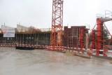 OVO Wrocław rośnie w górę. Trwa budowa Hiltona [zdjęcia]