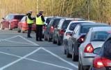 Wałbrzyska policja kazała dmuchać 260 kierowcom! Mysz się nie prześliźnie...