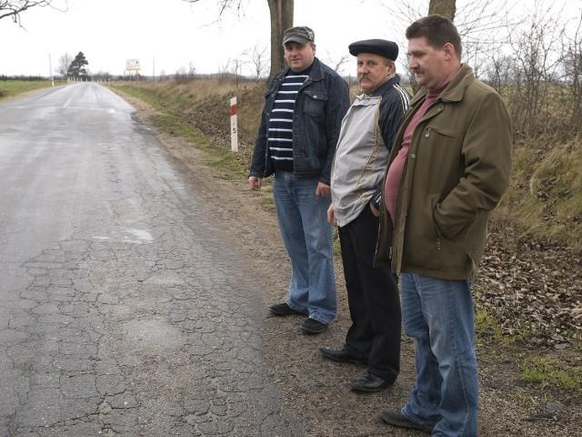 Zawiedzieni są m.in. mieszkańcy Słosinka (gm. Miastko), bo nie będzie II etapu remontu drogi