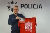 Policjant z Wodzisławia Śl. wsparł fundację wspomagającą wdowy i sieroty po poległych policjantach