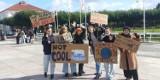 Sopot: Klapa Młodzieżowego Strajku Klimatycznego. Miał być paraliż miasta a przyszło 50 osób.