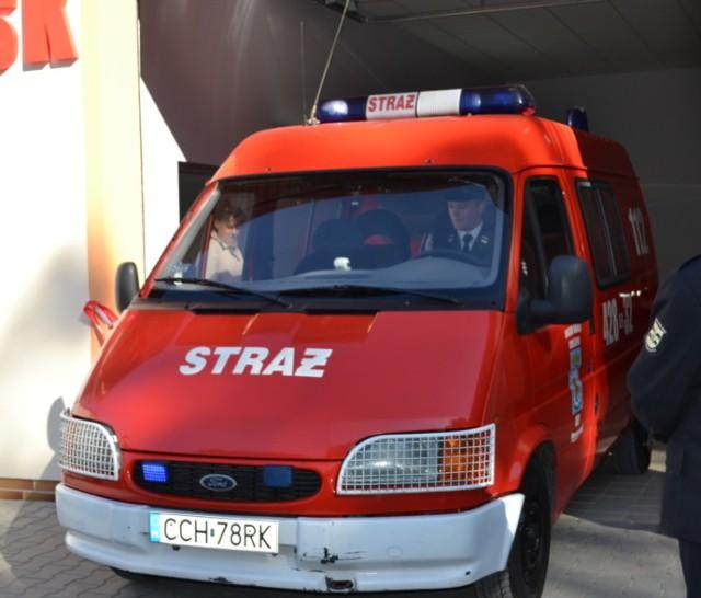 Cena wywoławcza wysłużonego forda transita to 2,4 tys. złotych. Aby przystąpić do przetargu należy wpłacić 240 złotych wadium.