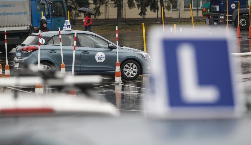 """1. miejsce - Maciej Wydrych Prywatna Szkoła Jazdy """"Driver""""..."""