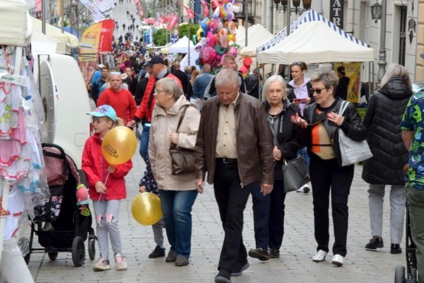 W Kielcach trwa tradycyjne Budzenie Sienkiewki organizowane...