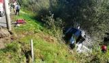 Wypadek na DW969 w Naszacowicach. Kobieta straciła panowanie nad pojazdem. Wóc uderzył w latarnie i zatrzymał się w zaroślach