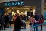 Primark w Poznaniu już otwarty! Przed sklepem utworzyła się kolejka. Zobacz zdjęcia z otwarcia Primarku w galerii Posnania