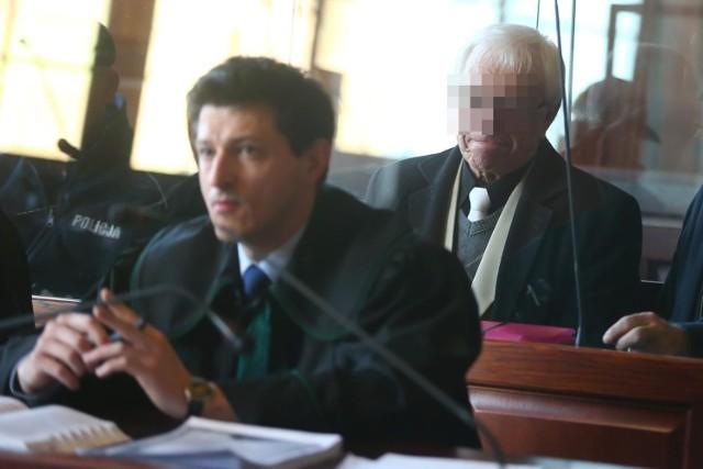 Oleksandr P. przekonywał w sądzie, że jest bioterapeutą i krytycznego dnia zrobił jej masaż  twarzy...