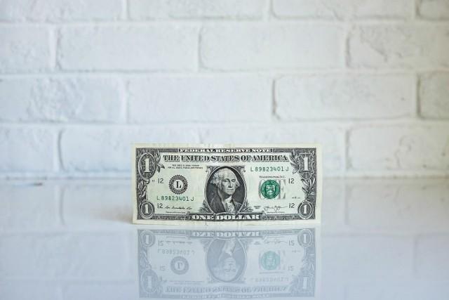 Ulga na start czy działalność nierejestrowana to tylko niektóre zachęty do założenia własnego biznesu, ale smutna prawda jest taka, że każdy przedsiębiorca potrzebuje środków na rozkręcenie działalności. Aby firma przynosiła zyski, potrzebna jest chociażby promocja. Zobacz, skąd zdobyć finansowanie dla startupu.
