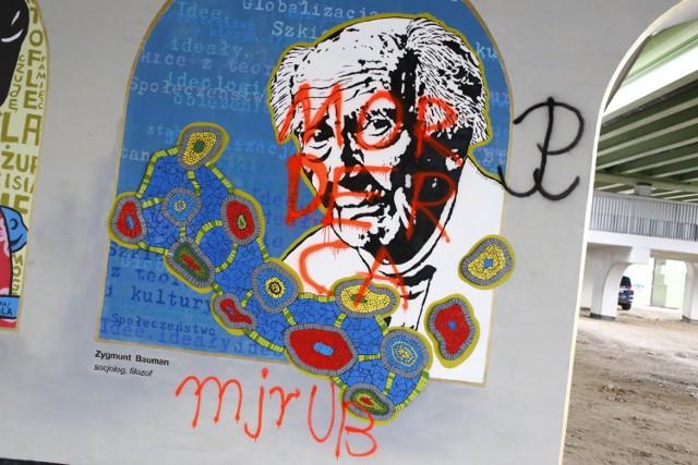 Mural z wizerunkiem Zygmunta Baumana zdewastowany.  Wystarczyło 5 dni