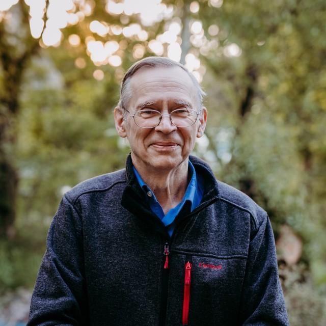 Włodzimierz Gut, biolog, specjalista w zakresie mikrobiologii i wirusologii, profesor nauk medycznych