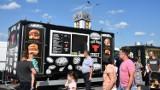 Smakowity weekend w Chełmie. Do miasta przyjechały food trucki. Zobacz zdjęcia