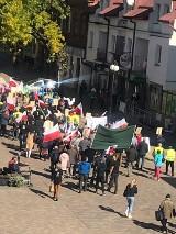 Mieszkańcy gminy Chełm zaprotestowali w poniedziałek przeciw włączeniu ośmiu sołectw do miasta
