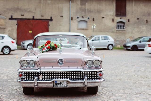 Zobacz wyjątkowe auta do ślubu na Instagramie!