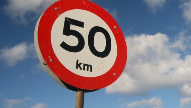 Od marca 2021 r. ograniczenie prędkości do 50 km/h na alejach Grunwaldzkiej i Zwycięstwa