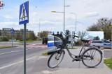 Dwa rowery na chodniku to o dwa za dużo. Rowerowy wypadek w centrum Zamościa