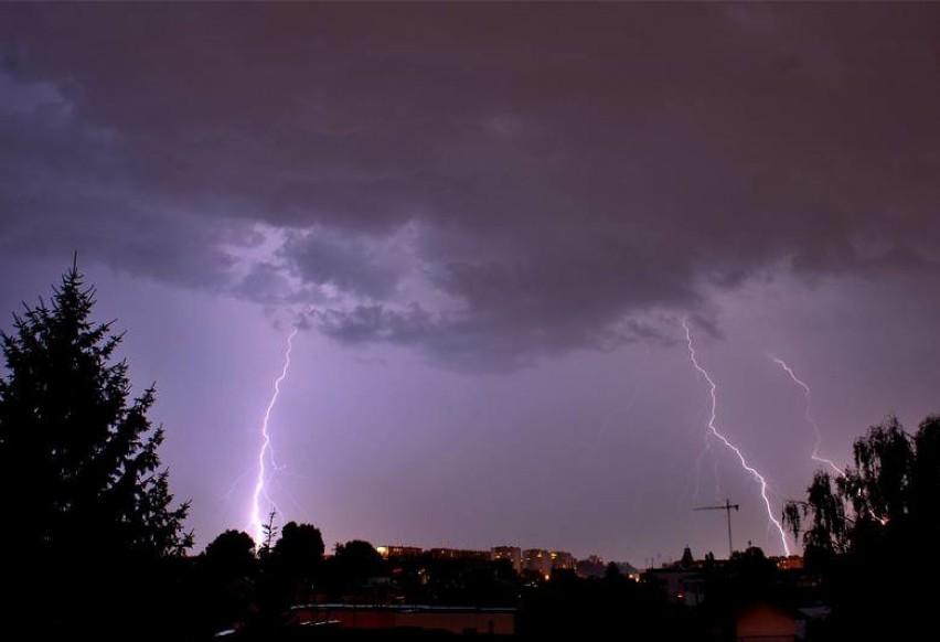 Ostrzeżenie: nad Małopolskę nadciągną burze z gradem