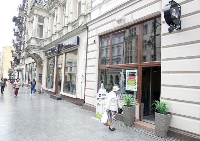 """Koku Sushi. Sieciowa """"suszarnia"""" otwarta przy ulicy Piotrkowskiej w Łodzi"""