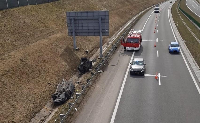Wypadek na autostradzie A1 w Świerklanach. Zobacz kolejne...