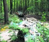 Gdynia walczy ze śmieciami. Nielegalne wysypiska tropią ekologiczne patrole Straży Miejskiej