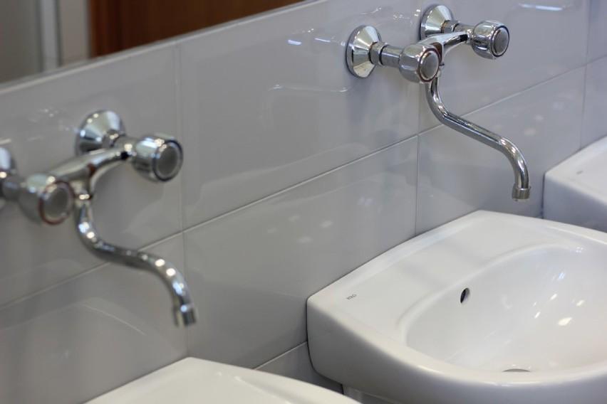 Nowe łazienki W Zs Nr 1 W Kole Wideo Zdjęcia Koło Nasze