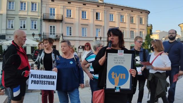 Protest w obronie wolnych mediów w Rynku Trybunalskim w  Piotrkowie, 14.09.2021