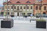 Bochnia. Rewitalizacja śródmieścia dobiega końca, trwają ostatnie szlify na Rynku, uruchomiono fontannę [ZDJĘCIA]