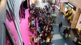 Victoria's Secret Złote Tarasy. Przed otwarciem ustawiła się kolejka chętnych na zakupy