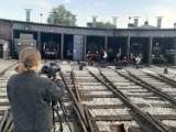 Koncert lokalnych artystów na terenie wolsztyńskiej parowozowni