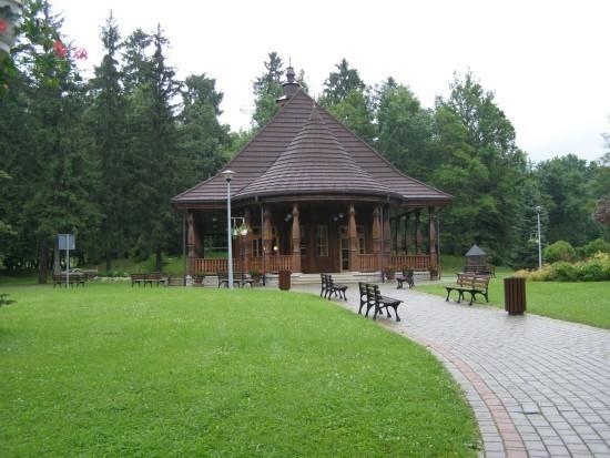 Park w Wysowej latem odwiedzają tłumy turystów. Według pomysłodawców pomnika jest to najlepsza lokalizacja