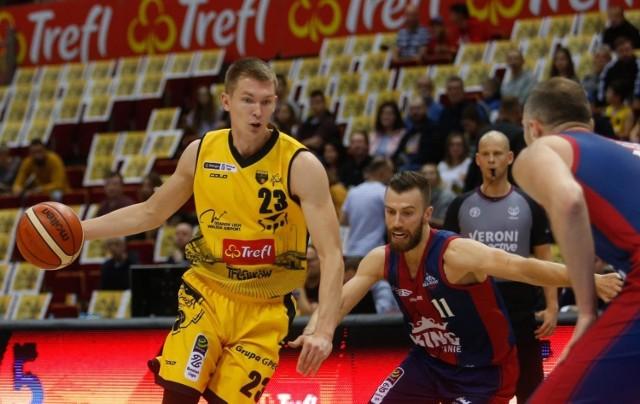 W trwającym sezonie Michał Kolenda zagrał we wszystkich meczach Trefla Sopot, po kontuzji 22-latka już nie ma śladu.
