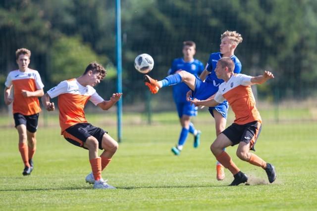 Akademia Piłkarska Reissa jest w dobrej formie i dzięki temu potrafiła postawić się Lechowi Poznań, który w lidze jest niepokonany.