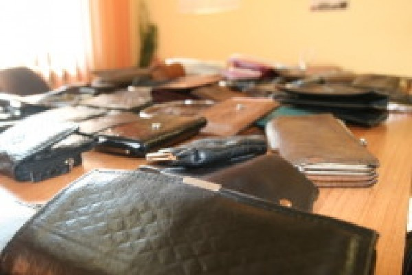 Policja prosi wszystkie osoby, którym skradzione zostały portfele lub dokumenty podczas pobytu w szpitalu o zgłaszanie się do Komendy Miejskiej Policji w Lublinie przy ul. Północnej 3.