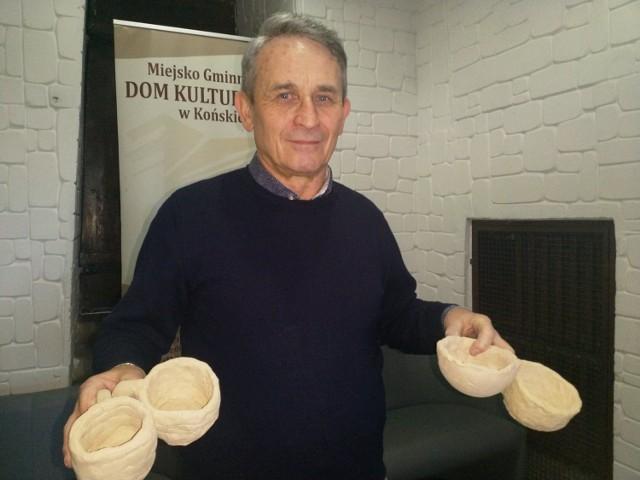 - Zapraszam młodych ceramików do odbioru gliny i tworzenie z nich własnych prac – zachęca instruktor Paweł Stasiński.