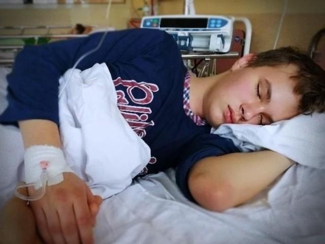 Mateusz ma 14 lat. Ciężką chorobę wykryto u niego na początku tego roku.
