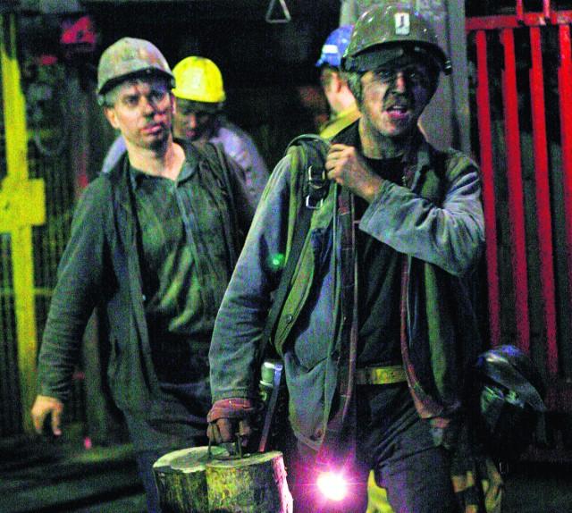 Górnicy bardzo często biorą nadgodziny.