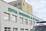 Tarnów. Wojewoda zmniejsza liczbę łóżek covidowych w tarnowskich szpitalach. Trzecia fala pandemii zmierza ku końcowi?