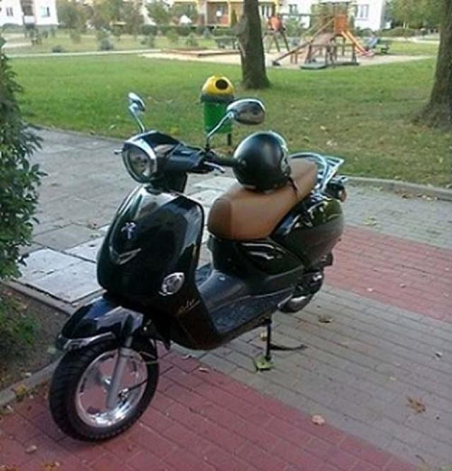 Jeśli zobaczysz ten skuter dzwoń do poszkodowanej lub na policję