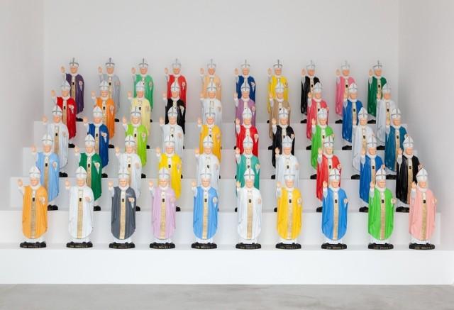 Peter Fuss, Garden Popes, 2007, obiekty, około 80 × 25 × 20 cm każdy, courtesy P. Fuss