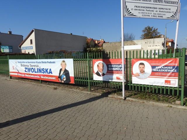 Platy wyborcze Bożeny Zwolińskiej i Arkadiusza Waszkiewicza wisża obok siebie