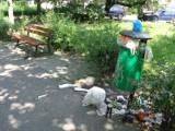 Planty miejskie w Kaliszu. Zieleniec tonie w śmieciach ZDJĘCIA