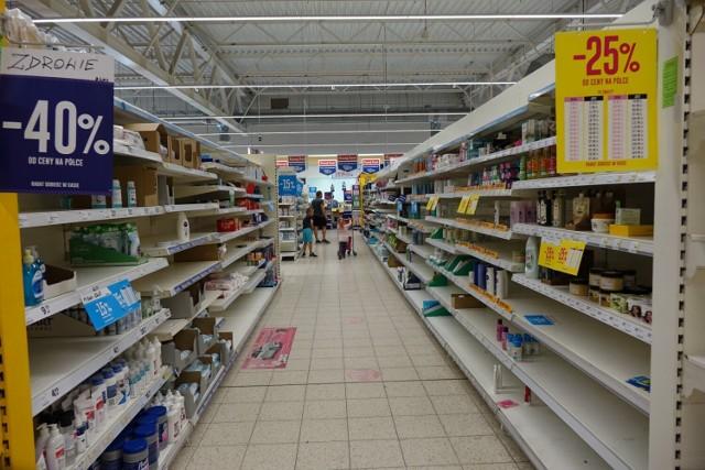 Zamyka się Tesco przy Bydgoskiej w Pile. W sklepie całkowita wyprzedaż towaru