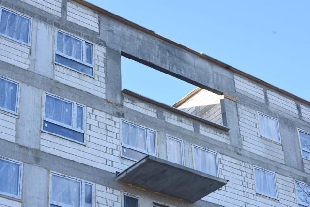 """W założeniu ustawa """"lex deweloper"""" miała powodować, że deweloperzy mieli mieć ułatwione zadanie przy realizacji inwestycji mieszkaniowych. Ustawa miała likwidować bariery prawne, aby można było budować więcej tanich mieszkań rządowego programu """"Mieszkanie Plus""""."""
