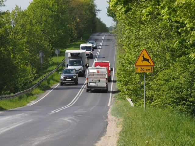 To stosunkowo wąski, ruchliwy odcinek trasy Trzebiatów - Kołobrzeg