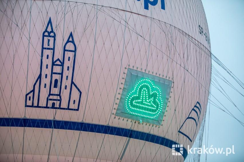 Kraków. Balon widokowy zaczął informować o zanieczyszczeniu powietrza w mieście [ZDJĘCIA]