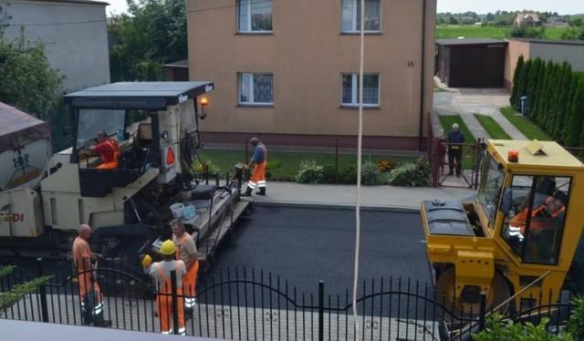 Trwają remonty dróg w Unisławiu.