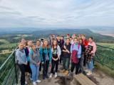 Uczniowie ze SP nr 4 pięknie się integrowali i piękno Gór Stołowych poznali