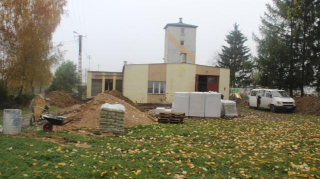 Gmina Kowalewo Pomorskie prowadzi szereg inwestycji. Na zdjęciu rozbudowa świetlicy w Marianach.