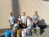 Perzyny gmina Zbąszyń. Mali wolontariusze zbierali nakrętki, dla małej Mai - 15.07.2021 [Zdjęcia]