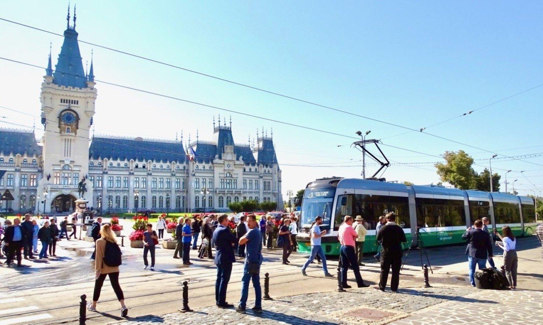 Așa arată Swing, primul tramvai Pesa Iași din România.  Deja transportă pasageri [zdjęcia]